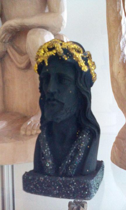 Ogromnie dziękujemy Państwu Barbarze i Calogero Scilanga za przekazanie figurki Jezusa w koronie cierniowej do naszego M...